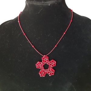 Beautiful vintage red flower bead necklace